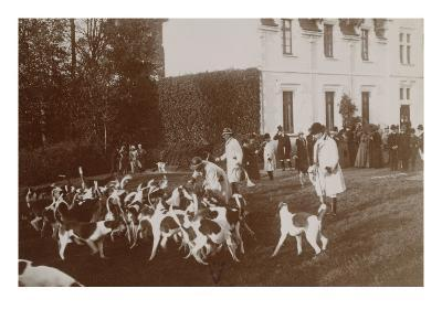 Photo Album: Hunting with Hounds in 1900 Beautertre