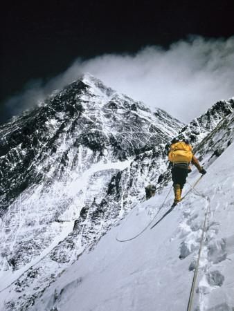 Climbers, 25,000 Feet Up, Push on Toward the Summit of Mount Everest