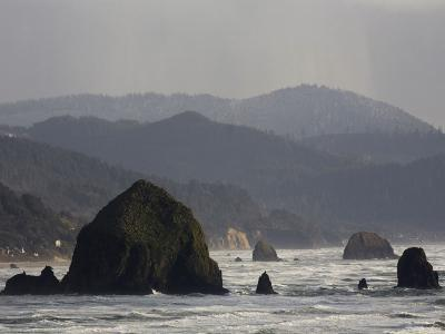 The Rocky and Steep Oregon Coast on a Cloudy Afternoon