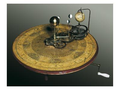 Mechanical Apparatus That Shows the Earth's Rotation around the Sun
