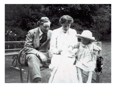 Virginia Woolf with Clive and Julian Bell, 1910