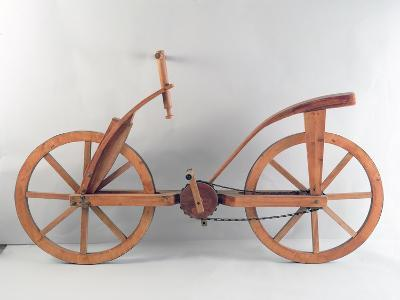 Reconstruction of Da Vinci's Design for a Bicycle