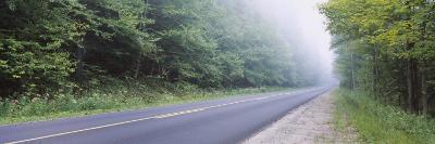 Grace Lake Road, Hinckley Reservoir, Adirondack Mountains, New York, USA