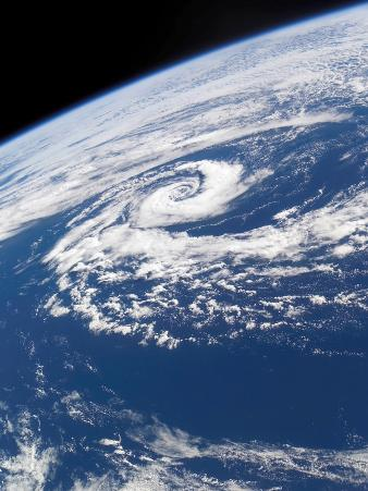 March 10, 2002, a Well-Defined Subtropical Cyclone Over the Tasman Sea