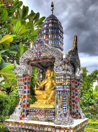 Ornate Buddhist Shrine, Wat Bangkungthien Kang, Bangkok, Thailand