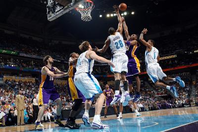 Los Angeles Lakers v New Orleans Hornets - Game Four, New Orleans, LA - April 24: Kobe Bryant, Trev