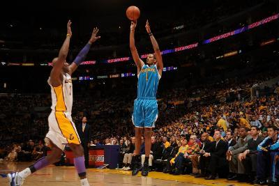 New Orleans Hornets v Los Angeles Lakers - Game One, Los Angeles, CA - April 17: Trevor Ariza and L