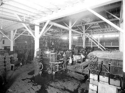Seattle Brewing & Malting Co., Botttling Works, 1914