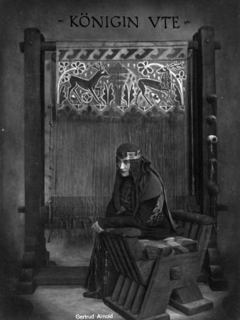 Gertrud Arnold: Die Nibelungen: Siegfried, 1924