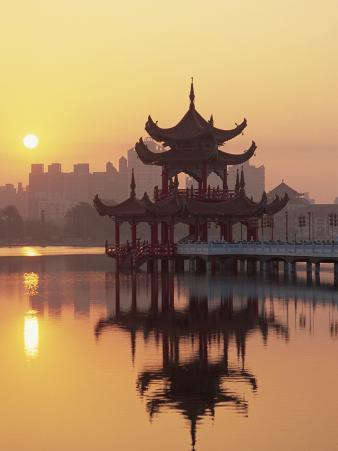 Taiwan, Kaohsiung, Lotus Lake at Sunset