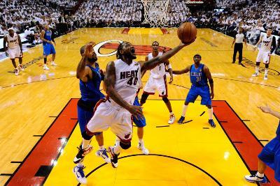 Dallas Mavericks v Miami Heat - Game One, Miami, FL - MAY 31: Udonis Haslem and Tyson Chandler