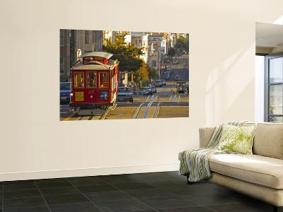 Cable Car on Powell Street in San Francisco, California, USA