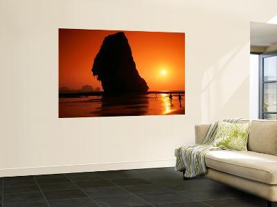 Islands Silhouetted at Sunset, Rai Leh Beach