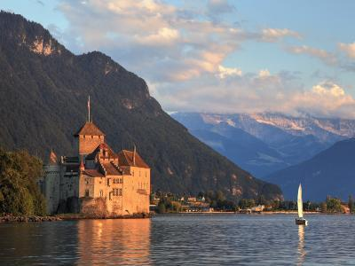 Switzerland, Vaud, Montreaux, Chateau De Chillon and Lake Geneva (Lac Leman)