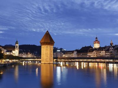 Switzerland, Lucern (Luzern), Chapel Bridge and River Reuss