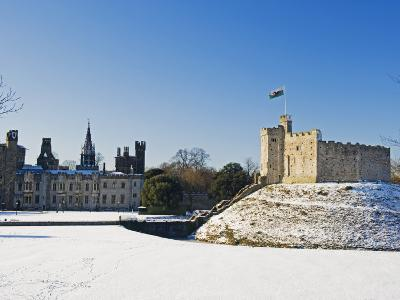 Europe, Uk, United Kingdom, Wales, Cardiff, Snow Covered Cardiff Castle in Winter