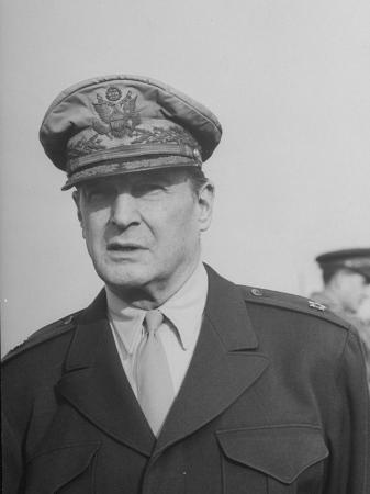 General Douglas Macarthur at Haneda Field