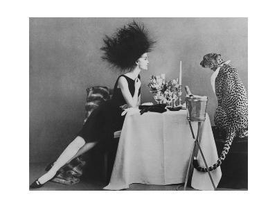 Vogue - November 1960 - Dining with a Cheetah