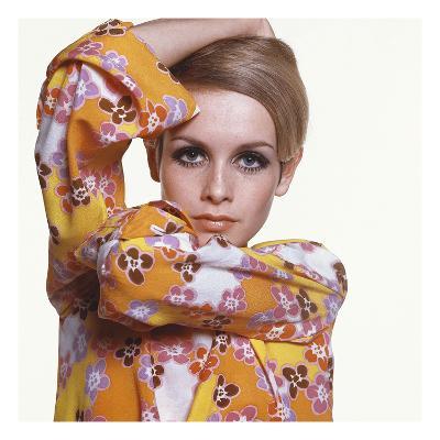 Vogue - March 1967 - Flower Power Twiggy