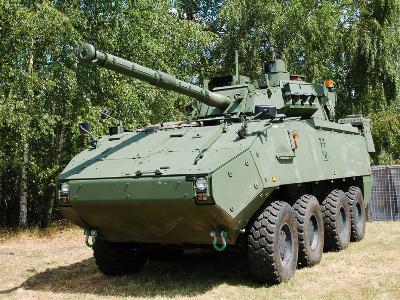 A Belgian Army Piranha IIIC with the Lcts-90 Cockerill Mk8 Gun