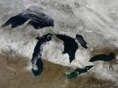 Satellite View of Snow across Wisonsin, Michigan and Canada