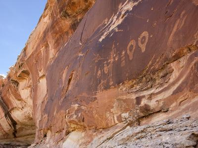 A 4-Foot-Tall Shaman Figure and Other Glyphs Decorate a Rock Face