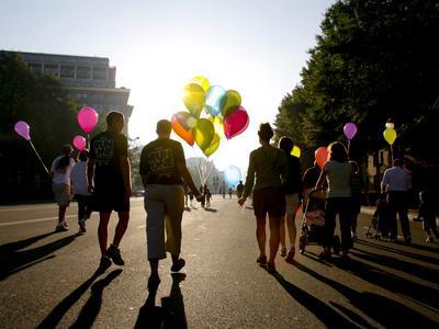 Walking Participants in 5K Fall Tgl Classic Lung Cancer Benefit Run