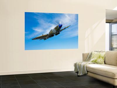 A Supermarine Spitfire MK-18 in Flight