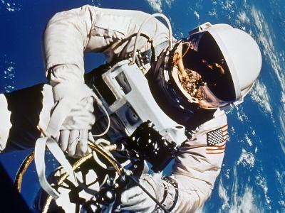 Gemini 4: Spacewalk, 1965