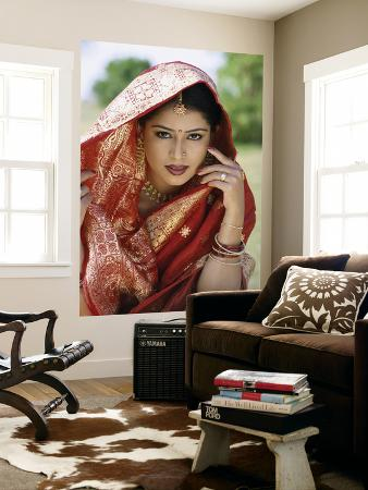 Woman Dressed in Sari / Traditional Costume, Mumbai (Bombay), Maharastra, India