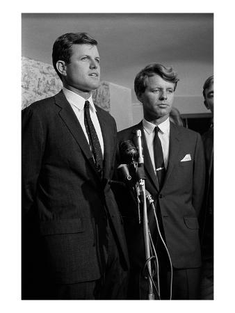 WWD - September 1966 - Kennedy Press Conference