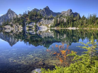 Chair Peak and Mount Roosevelt, Gem Lake, Alpine Lakes Wilderness, Washington, Usa