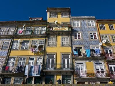 Old Houses in the Old Town of Oporto, UNESCO World Heritage Site, Portugal, Europe