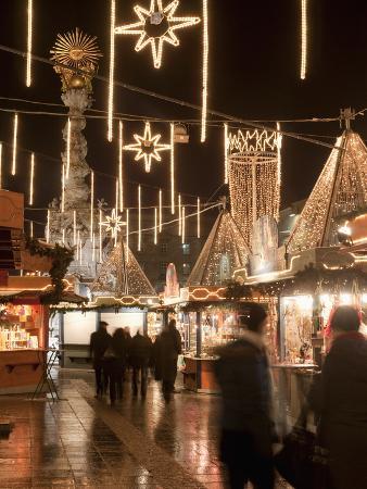 Stalls of Christmas Market, With Baroque Trinity Column in Background, Hauptplatz, Linz, Austria