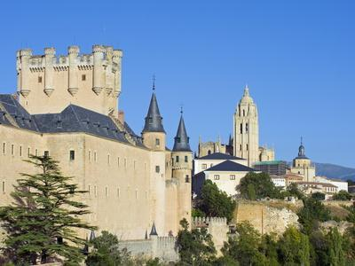 Segovia Castle and Gothic Style Segovia Cathedral Built in 1577, Segovia, Madrid, Spain, Europe