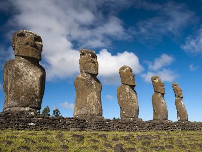 Ahu Akivi, Rapa Nui (Easter Island), UNESCO World Heritage Site, Chile, South America