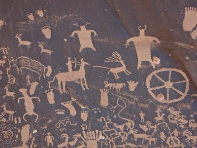 Petroglyphs on Newspaper Rock, Newspaper Rock Recreation Area, Utah, USA