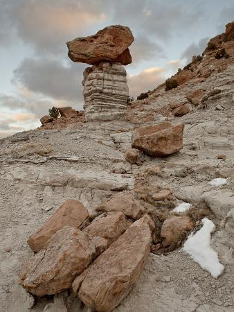 Balanced Rock in Plaza Blanca Badlands (The Sierra Negra Badlands), New Mexico