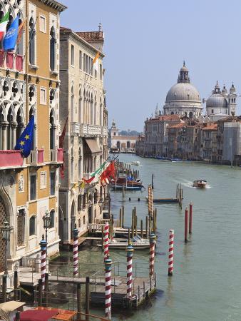 Grand Canal and Santa Maria Della Salute, Venice, UNESCO World Heritage Site, Veneto, Italy, Europe