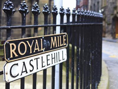 Royal Mile, Edinburgh, Lothian, Scotland, Uk
