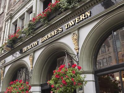 Deacon Brodie's Tavern, Royal Mile, Old Town, Edinburgh, Scotland, Uk