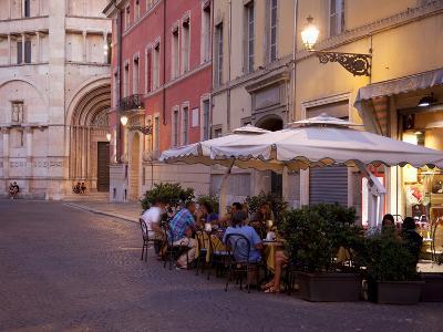 Cafe and Baptistry, Parma, Emilia Romagna, Italy, Europe