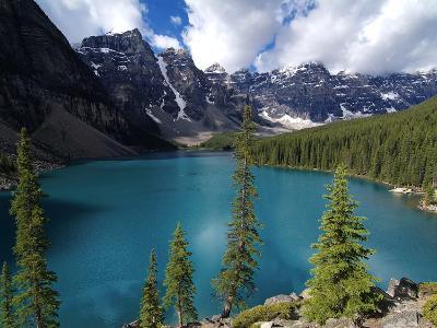 Moraine Lake, Valley of the Ten Peaks, Banff National Park, UNESCO World Heritage Site, Alberta, Ro