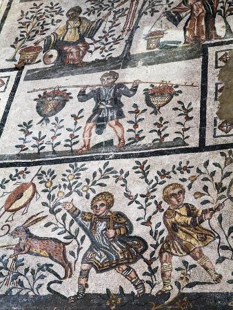 Roman Mosaic at Villa Romana Del Casale, UNESCO World Heritage Site, Piazza Armerina, Sicily, Italy