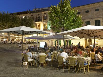 Restaurants in the Plaza Mayor, Pollenca (Pollensa), Mallorca (Majorca), Balearic Islands, Spain, M