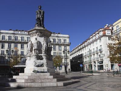 Largo De Camoes Square, with the Luiz De Camoes Memorial, at Bairro Alto, Lisbon, Portugal, Europe