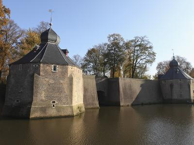 Fortified Spanish Gate (Spanjaardsgat), Spanish Troops Entry Point to the City in 1624, Breda, Noor