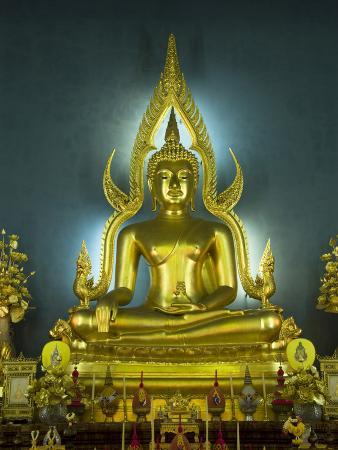 Statue of the Sitting Buddha, Wat Benchamabophit (Marble Temple), Bangkok, Thailand, Southeast Asia