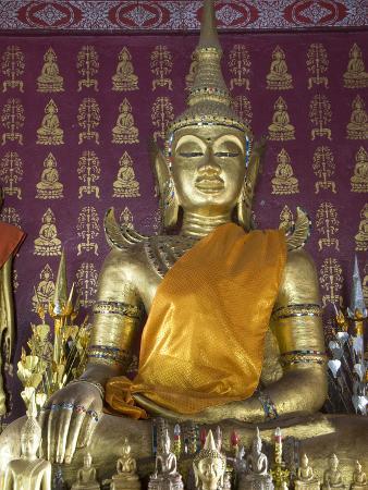 Buddha Statue in the Main Temple, Wat Saen, Luang Prabang, Laos, Indochina, Southeast Asia, Asia