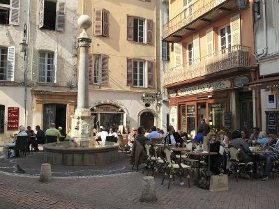Old Town, Vieil Antibes, Antibes, Cote D'Azur, French Riviera, Provence, France, Europe
